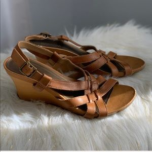 Kenneth Cole Reaction brown leather sandals 7.5
